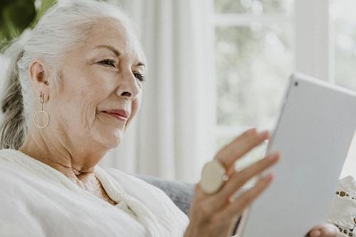 Tablette tactile pour seniors